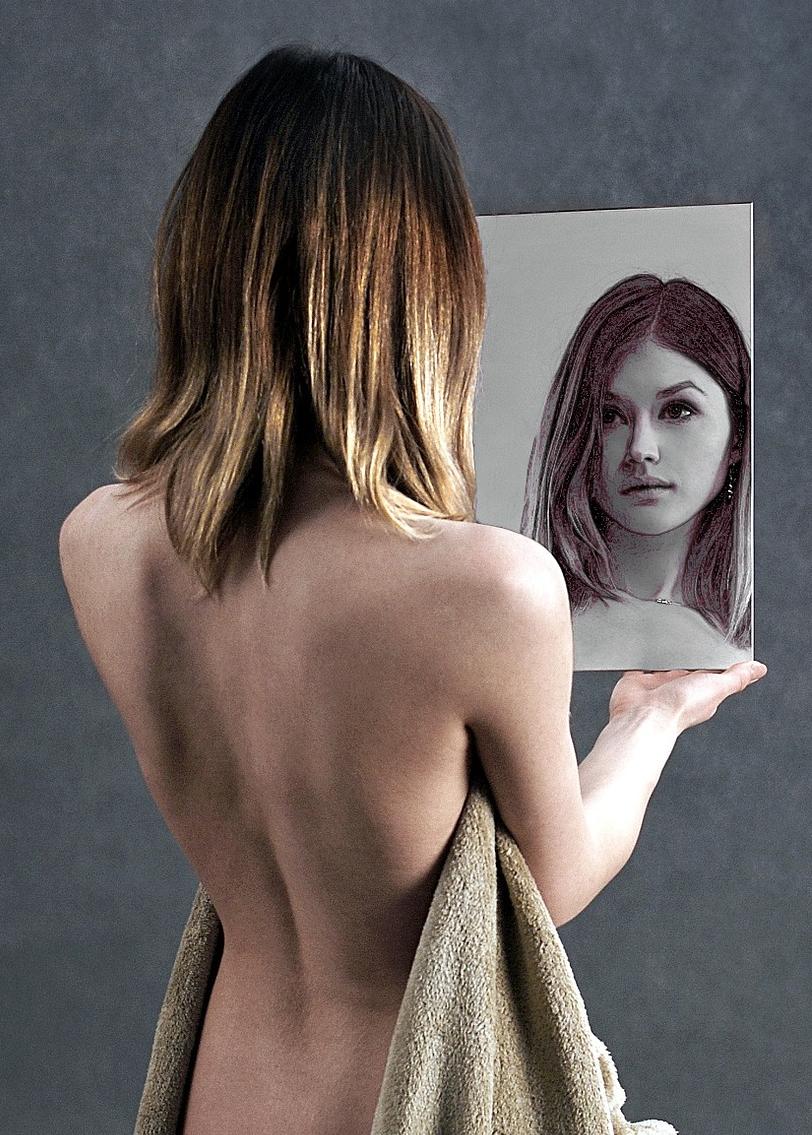 chica del espejo2